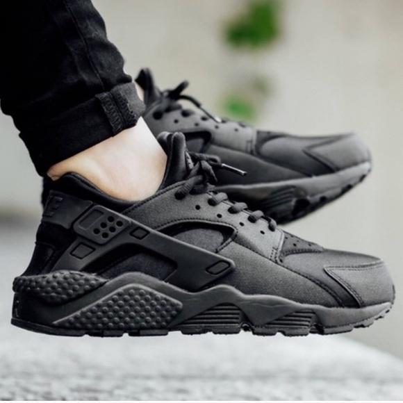 Nike Shoes   Black Nike Huarache Womens
